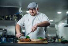 Projeto idealizado por chef brasileiro sacia a fome de famílias em Londres