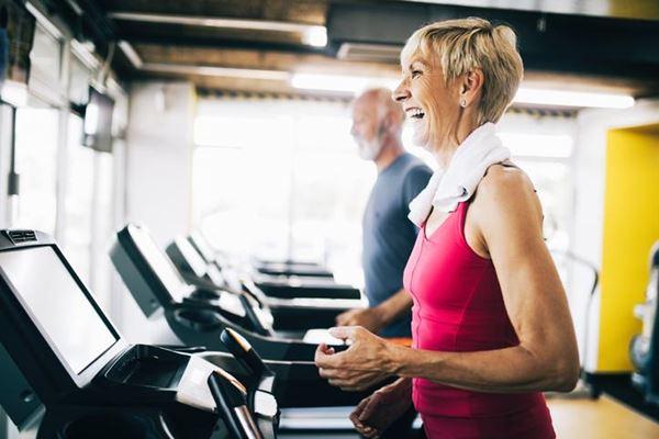 Academias voltadas para a terceira idade um nicho crescente no mercado fitness