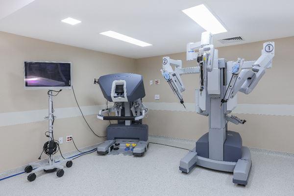 Cirurgia robótica traz benefícios para médicos e pacientes
