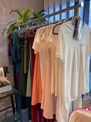 Moda atemporal 6 formas de usar uma camisa clássica nesta primavera